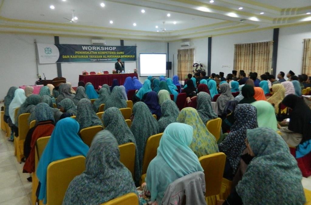 Pelatihan Peningkatan Kompetensi Guru dan Karyawan di Yayasan Al Hasanah Bengkulu