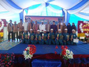 foto-bersama-peserta-khataman-imtihan-pertama-ponpes-alhasanah