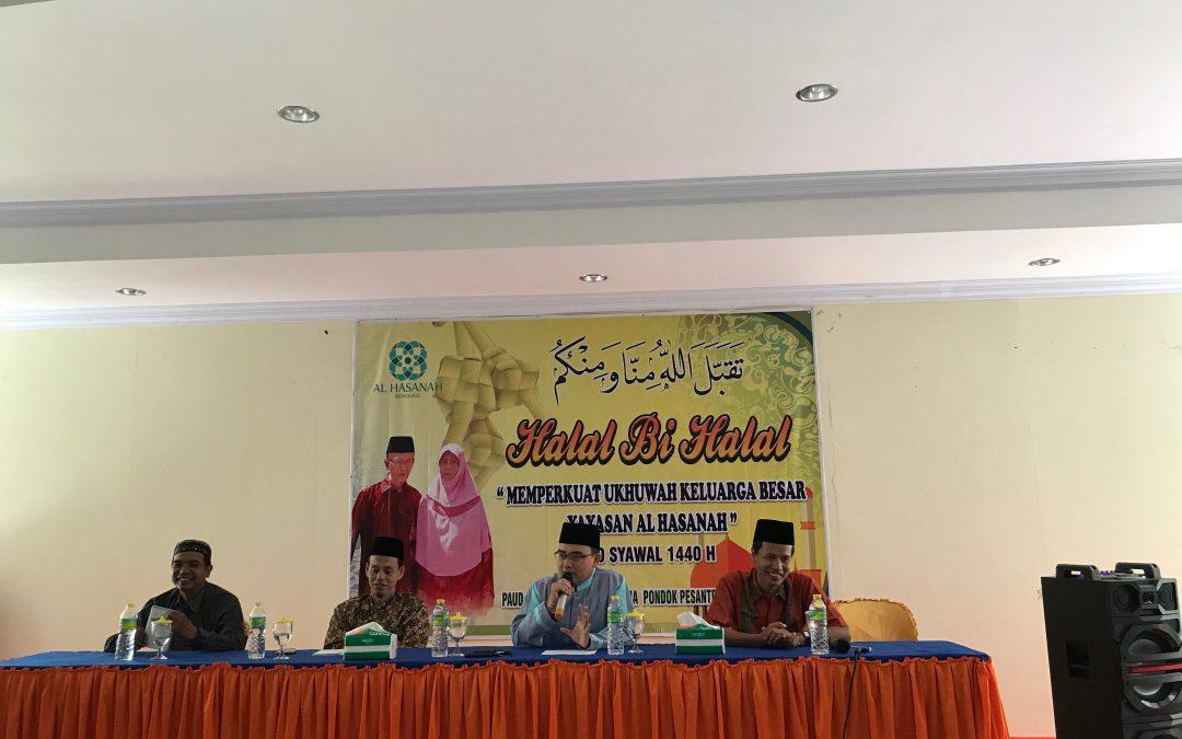 Halal bi Halal, Guru dan Karyawan Al Hasanah Komitmen Tingkatkan Kualitas Diri dan Sekolah