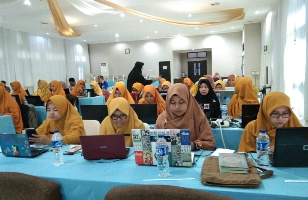 Tingkatkan Mutu Sekolah, AQUATIC Adakan Workshop Penyusuan Soal HOTS