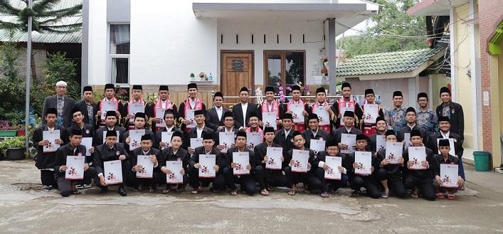 Bertambah 2 Guru Al Hasanah Wisuda Karantina Tahfizh Al Quran Nasional