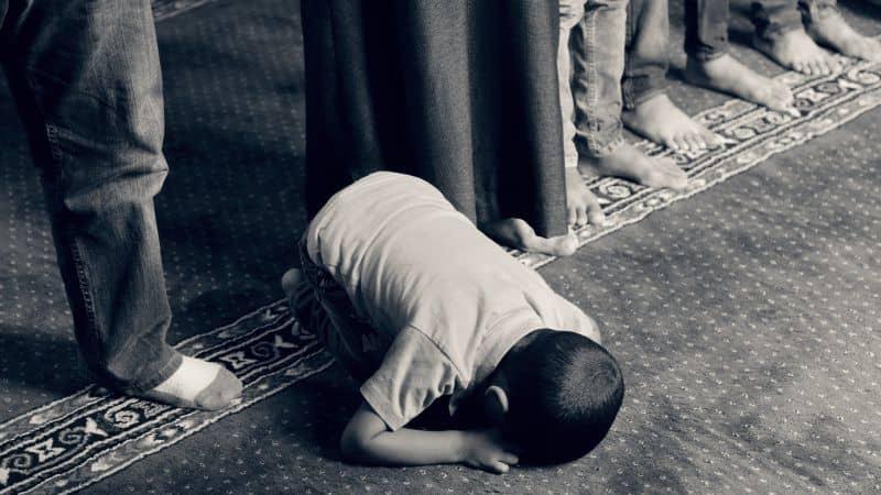 Mengenal Berbagai Jenis Hukum Syariat