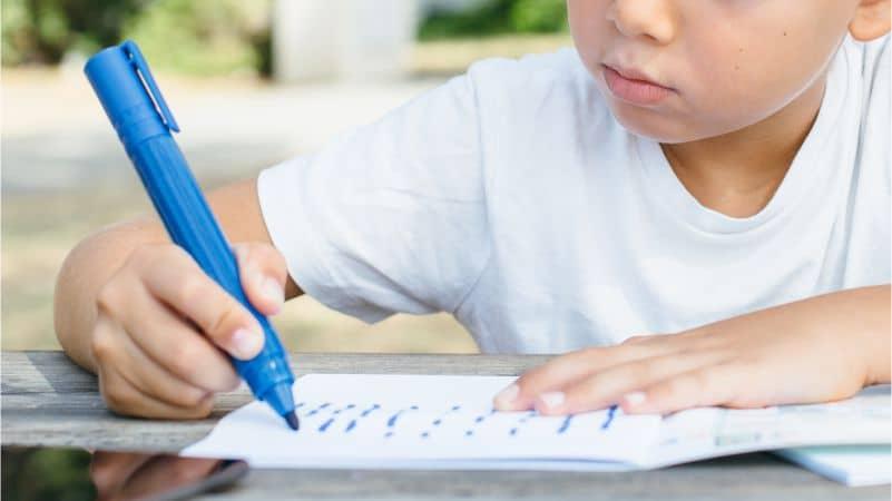 Bolehkah Anak Usia TK Belajar Membaca, Menulis, dan Berhitung?